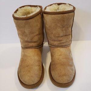 Ugg | Tan classic short boot